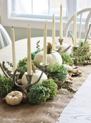 Romantic Christmas Centerpieces Ideas With Candles 55