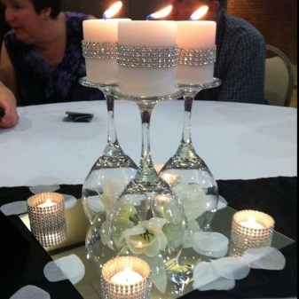Romantic Christmas Centerpieces Ideas With Candles 57