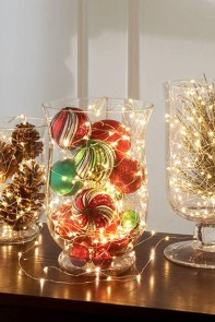 Simple And Easy Christmas Centerpieces Ideas11