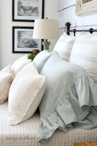 Totally Adorable French Bedroom Decoration Ideas26