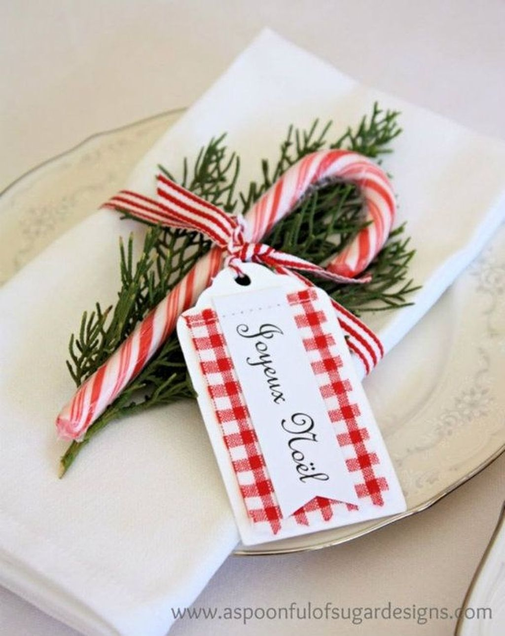 Totally Fun Candy Cane Christmas Decoration Ideas For Your Home34