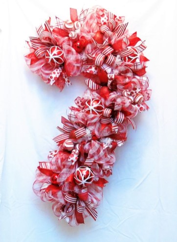 Totally Fun Candy Cane Christmas Decoration Ideas For Your Home45