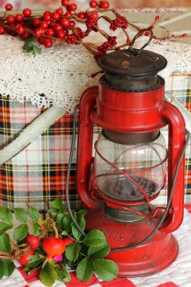 Totally Inspiring Red And Gold Christmas Decoration Ideas 35