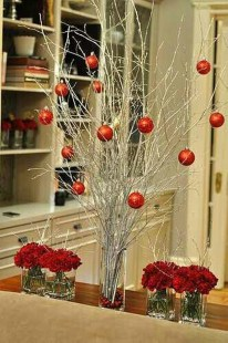 Totally Inspiring Red And Gold Christmas Decoration Ideas 40
