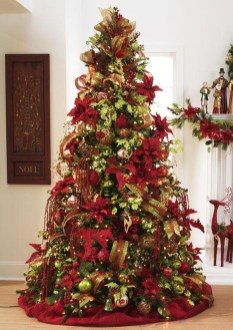 Totally Inspiring Red And Gold Christmas Decoration Ideas 50