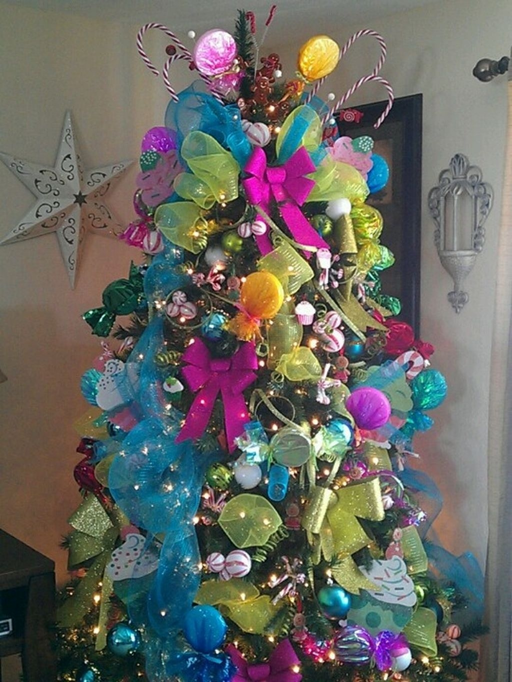 Unique But Inspiring Christmas Tree Toppers Decoration Ideas 32