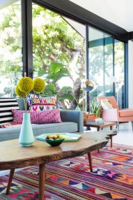 Bright And Colorful Living Room Design Ideas21