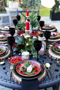 Cozy Plaid Decor Ideas For Christmas 02
