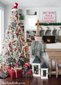Cozy Plaid Decor Ideas For Christmas 03
