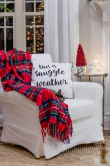 Cozy Plaid Decor Ideas For Christmas 13