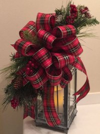 Cozy Plaid Decor Ideas For Christmas 34