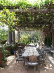 Cozy Rustic Patio Design Ideas12