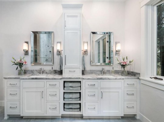 Creative Practical Bathroom Storage Design Ideas24