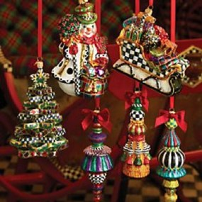 Cute Whimsical Christmas Ornaments Ideas For Your Holiday Decoration 29