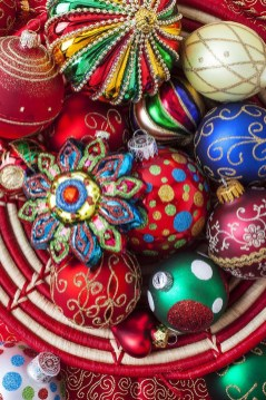 Cute Whimsical Christmas Ornaments Ideas For Your Holiday Decoration 34