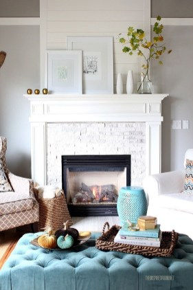 Inspiring Rustic Fall Mantel Decoration Ideas 16
