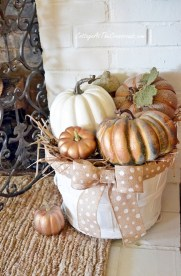 Inspiring Rustic Fall Mantel Decoration Ideas 32