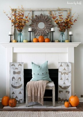 Inspiring Rustic Fall Mantel Decoration Ideas 33