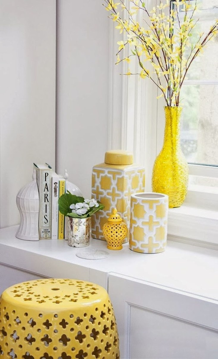 Lovely Sunny Yellow Bathroom Design Ideas 42