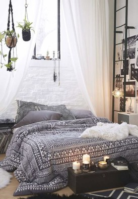 Refined Boho Chic Bedroom Design Ideas06