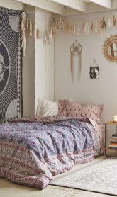 Refined Boho Chic Bedroom Design Ideas30