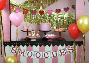 Adorable Valentines Day Party Decoration Ideas 37