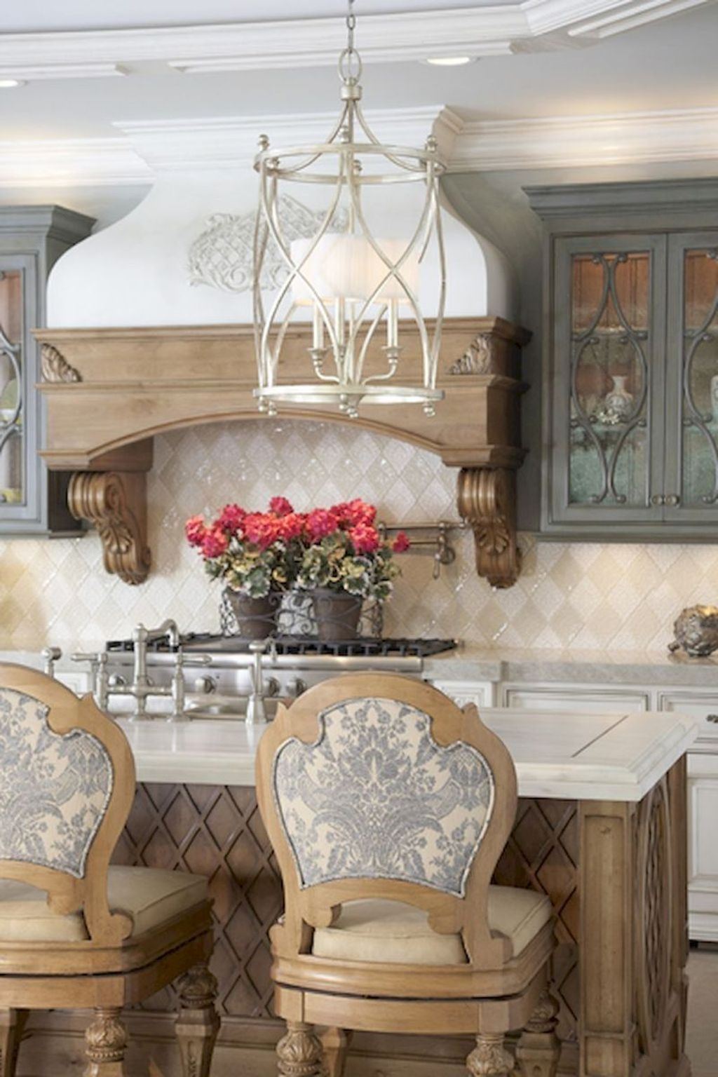 Amazing French Country Home Decoration Ideas 39
