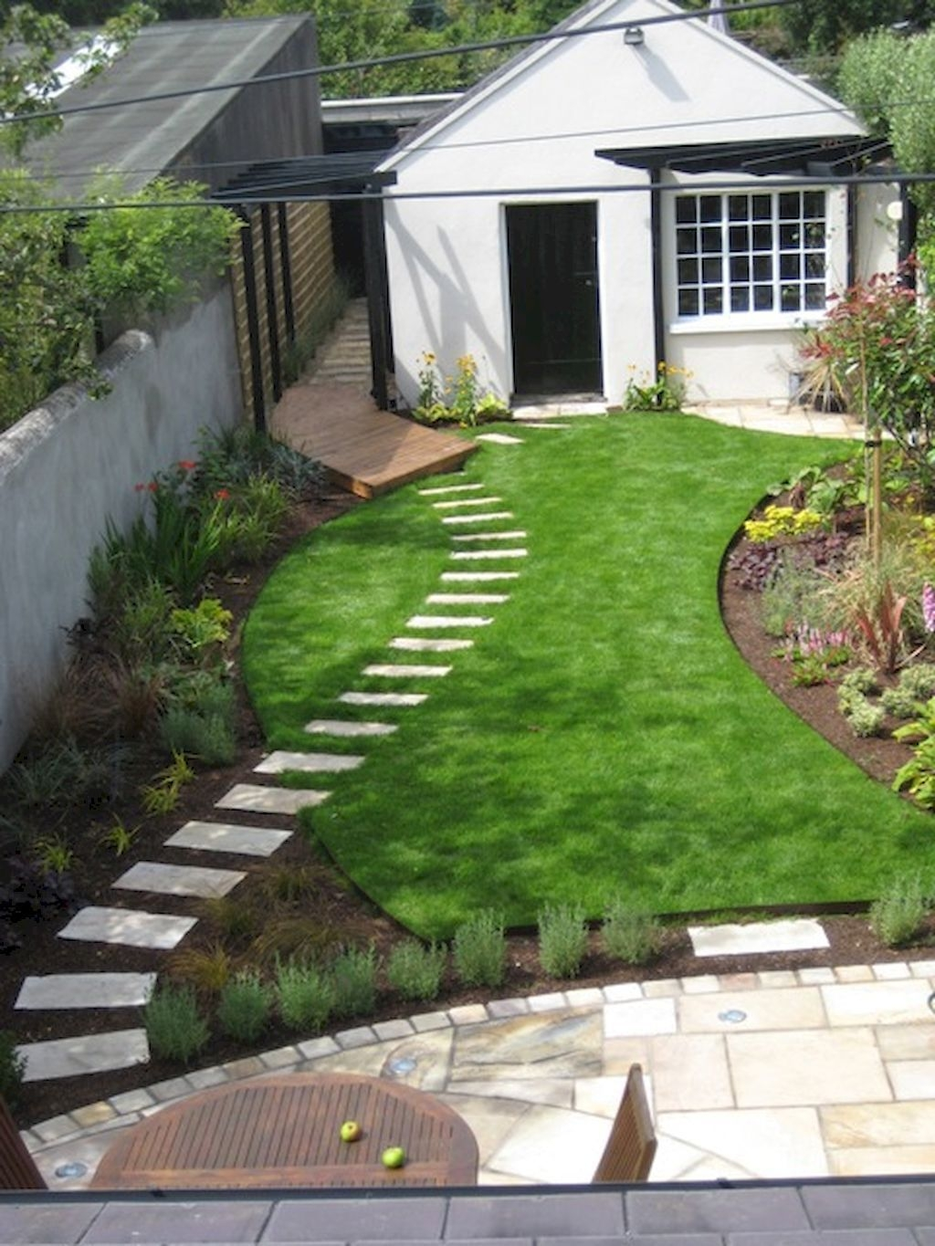 Beautiful Garden Design Ideas On A Budget 26