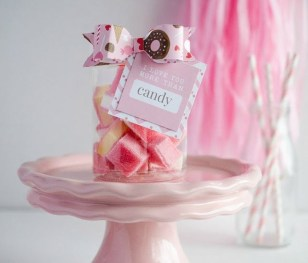 Cute Easy Valentine Candy Decorations 23