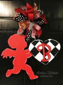 Cute Valentine Door Decoration Ideas You Should Try 15