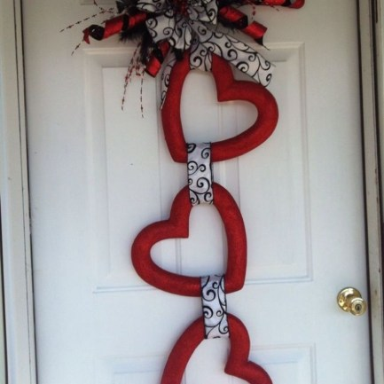 Cute Valentine Door Decoration Ideas You Should Try 27