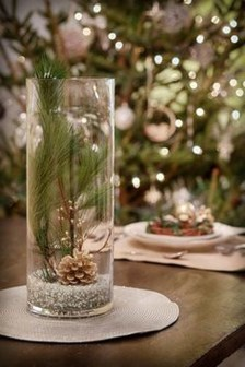 Stylish Winter Centerpiece Decoration Ideas 04
