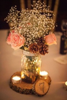 Stylish Winter Centerpiece Decoration Ideas 20