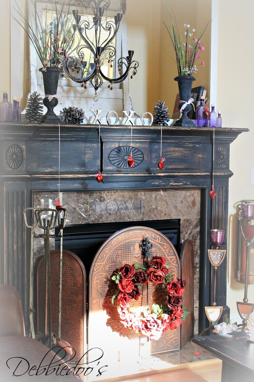 Totally Cool Valentine Mantel Decoration Ideas 22
