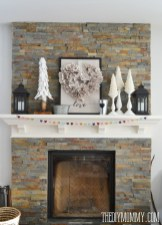Totally Cool Valentine Mantel Decoration Ideas 25