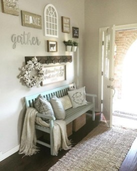 Adorable Farmhouse Entryway Decorating Ideas 06