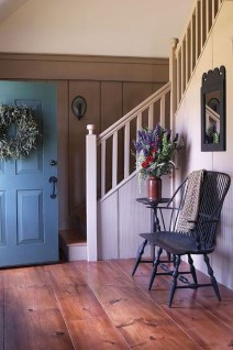Adorable Farmhouse Entryway Decorating Ideas 14