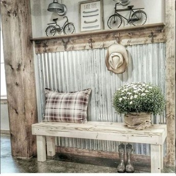 Adorable Farmhouse Entryway Decorating Ideas 33