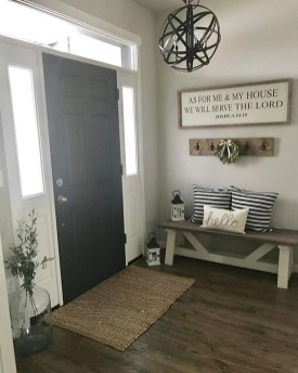 Adorable Farmhouse Entryway Decorating Ideas 36