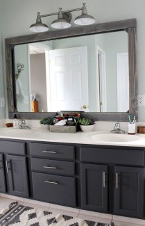 Adorable Modern Farmhouse Bathroom Remodel Ideas 13
