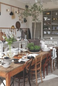 Amazing Rustic Dining Room Table Decor Ideas 23