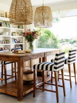 Amazing Rustic Dining Room Table Decor Ideas 42