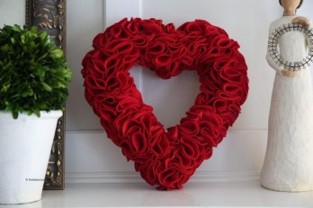 Amazing Valentine Decoration Ideas For Your Apartment 42