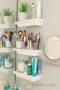Brilliant Small Bathroom Storage Organization Ideas 20