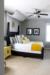 Cool Small Master Bedroom Decorating Ideas 47