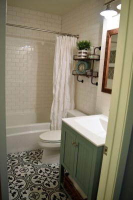 Creative Tiny House Bathroom Remodel Ideas 07