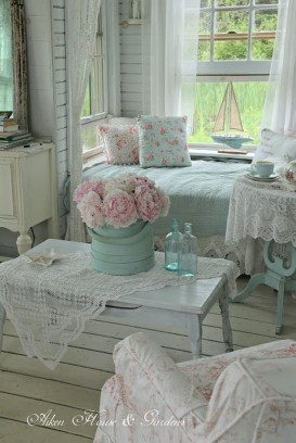Cute Shabby Chic Farmhouse Living Room Decor Ideas 26