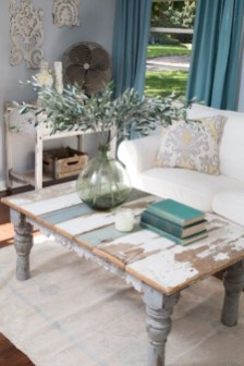 Cute Shabby Chic Farmhouse Living Room Design Ideas 24