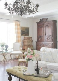 Cute Shabby Chic Farmhouse Living Room Design Ideas 32