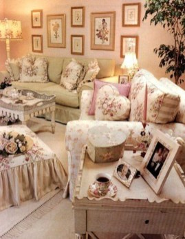 Cute Shabby Chic Farmhouse Living Room Design Ideas 33